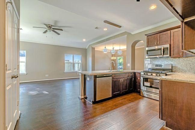 1610 - Kitchen 3.jpeg