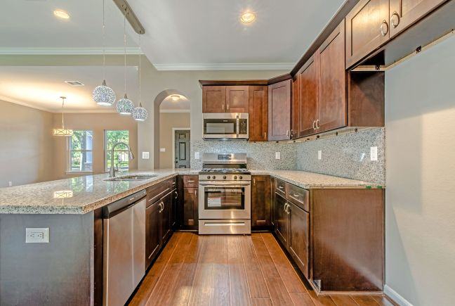 1610 - Kitchen2.jpeg